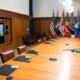 President Joe Biden samtalar med sina rådgivare om Afghanistan på Camp David. Foto: AP